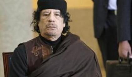 Кадафи проговори за първи път от седмици