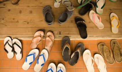 Колко чифта обувки се късат, докато изминеш 75 000 км