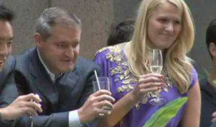 На Уолстрийт си пият шампанското, докато други протестират