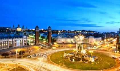 Испанците стават работохолици заради кризата