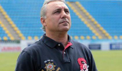 Стоичков иска спешна среща с Дянков