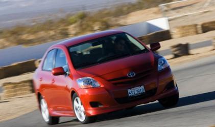 Toyota пуска 21 нови хибридни автомобила до 2015 г.