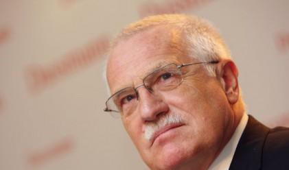 Чешкият президент влезе в болница заради инцидента с пистолета