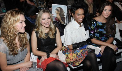 Колко получават звездите, за да седят на първия ред на модните ревюта?