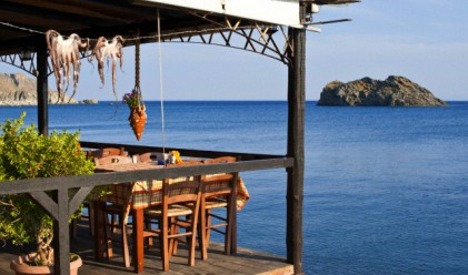 Пълним гръцките курорти през септември