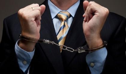 """Какво кара """"белите якички"""" да извършват финансови престъпления?"""