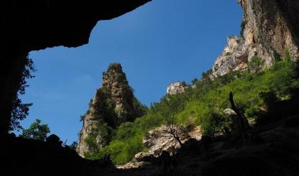 Три момчета правят невероятно откритие във френска пещера