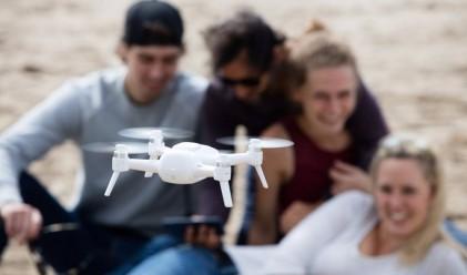 Този дрон снима 4К селфита от високо