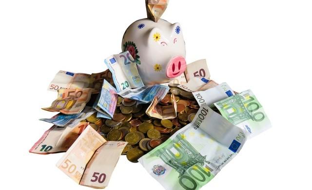 Българските домакинства с депозити за 50 млрд. лв. до година