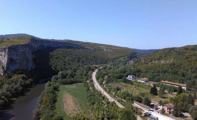 Три идеи за кратки пътешествия на час и половина от София