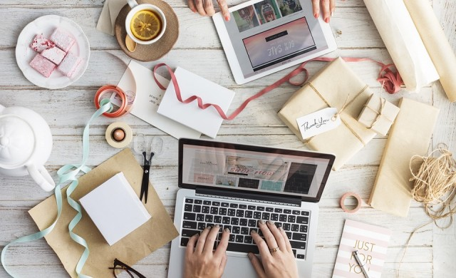 Всяка четвърта по-голяма фирма продава онлайн