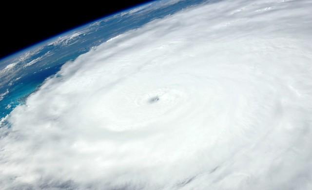 Ураганът Ирма обърка плановете и на папа Франциск