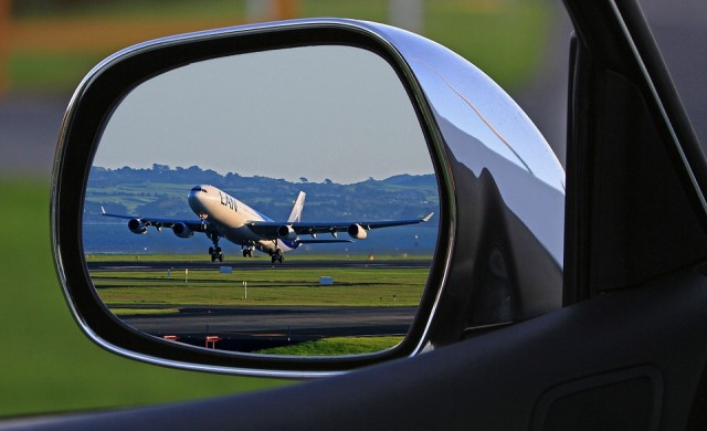 Ирма става все по-опасен, разруши летище