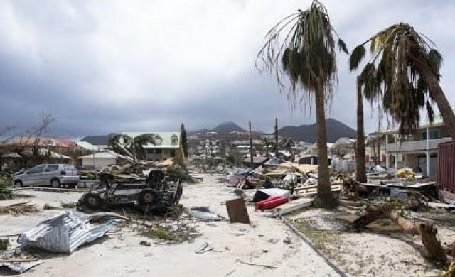 Флорида призова 5.6 млн. души да се евакуират заради