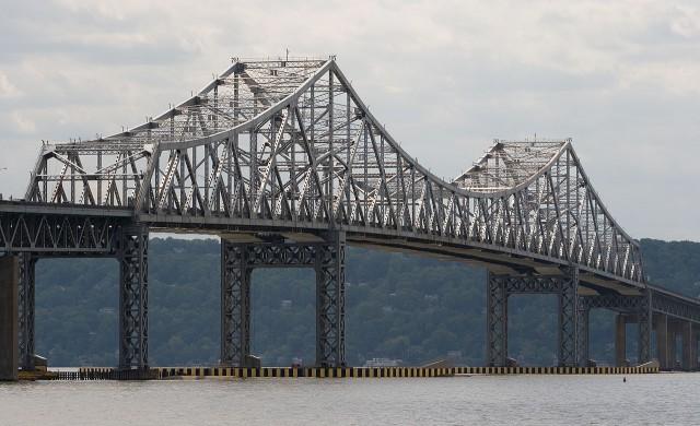 Ню Йоркският Tappan Zee Bridge беше официално открит