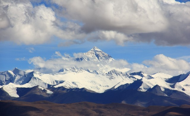 Жената, която изкачи Еверест два пъти за пет дни