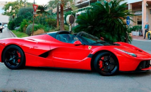 Последната бройка LaFerrari бе продадена за рекордна сума