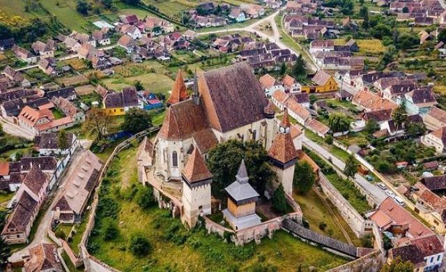Румънското градче с един развод за 300 години