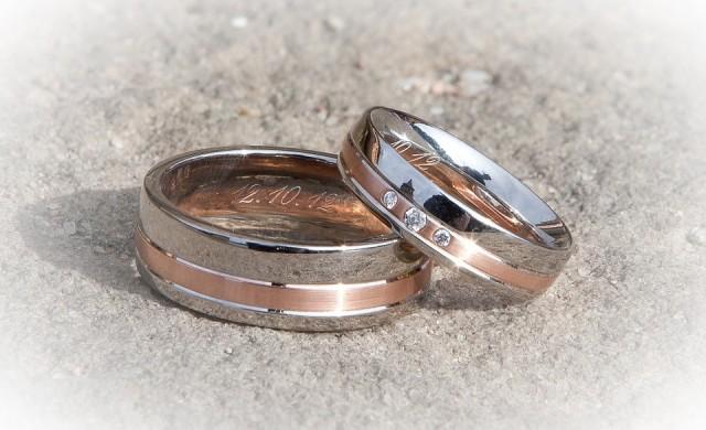 Защо все повече жени избират да се оженят... за себе си?