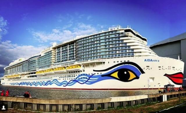 Най-новият круизен кораб струва 700 млн. евро и има воден парк