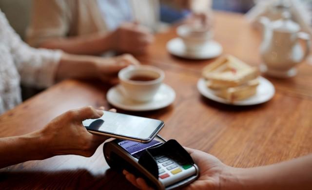 Мобилните разплащания тепърва започват да се развиват в България