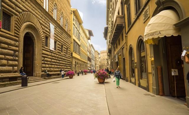 До 500 евро глоба, ако ядеш по улиците на Флоренция