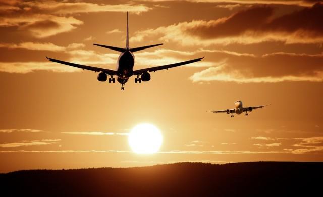 9 мита за самолетите, в които вярваме заради киното