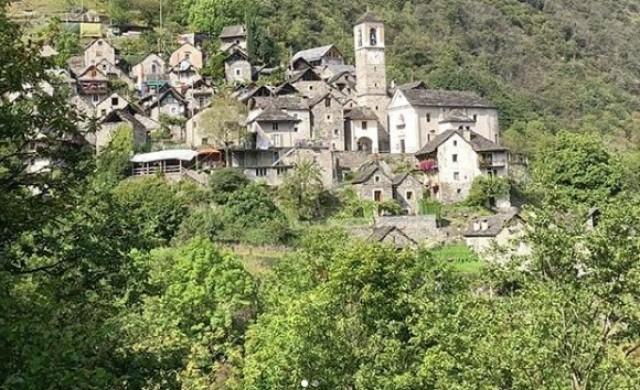 Спасиха швейцарско село от изчезване, превръщайки го в хотел