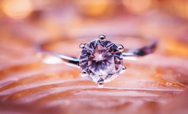 Как изкуствено създаваните диаманти завладяват света?