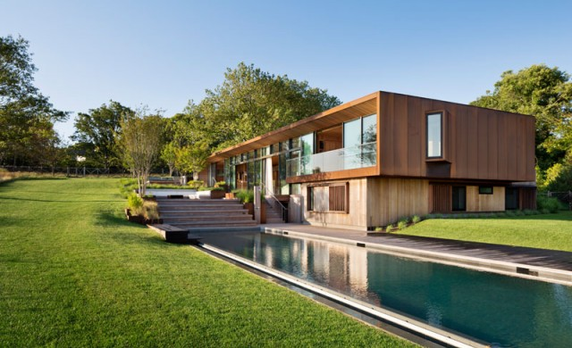 Къща, създадена да гледа към морската шир