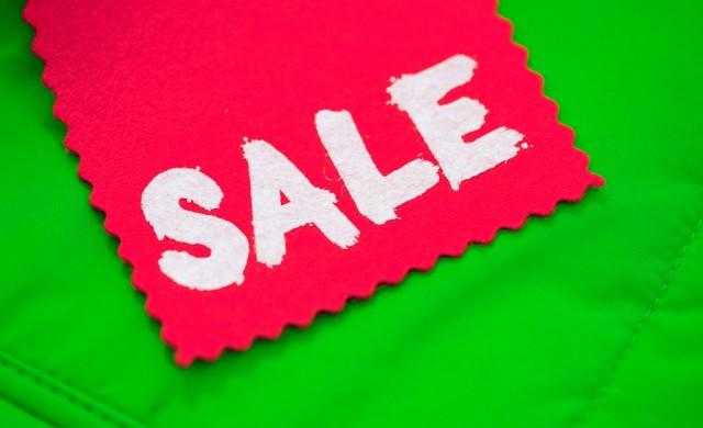 КЗП ни предупреждава за капаните на летните разпродажби