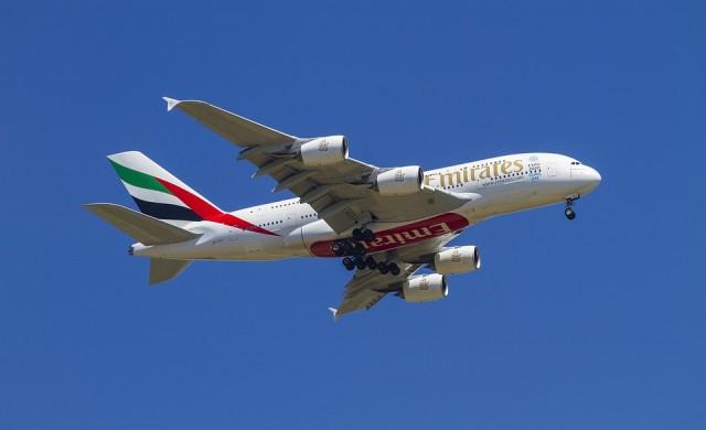 Барът в първа класа на Emirates, покрит с кристали (снимка)