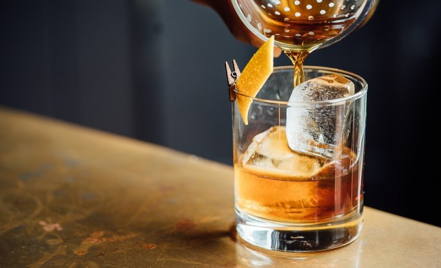 Хотел предлага на гостите си фонтан с уиски във фоайето