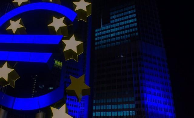 Въпреки по-скъпото евро, ЕЦБ не внесе промени в паричната си политика