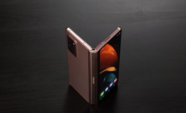 Samsung Galaxy Z Fold2: Еволюция в действие