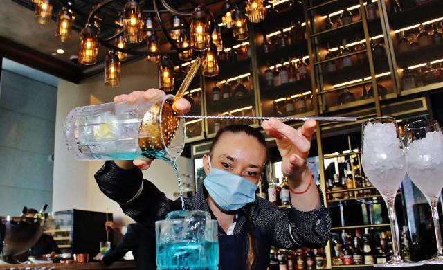 The Revolutionary Dining Room & Bar: Всяко ястие нарушава правилата