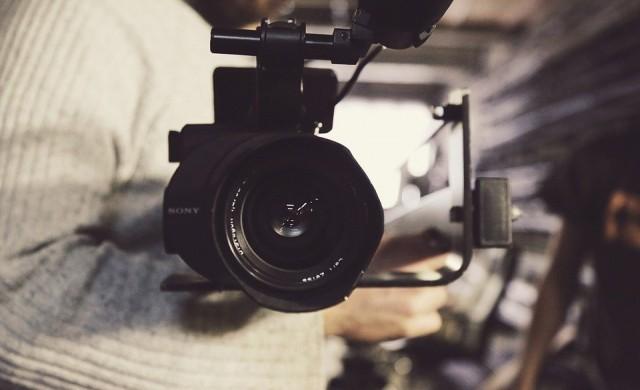 Видеоклип на Киану Рийвс от 1984 г. се превърна в хит в интернет (видео)
