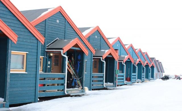 Една от най-северните кръчми в света се продава за 1 млн. евро (снимки)