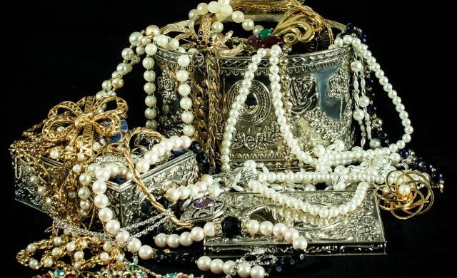 Иззеха кило контрабандно злато за 90 000 лв.