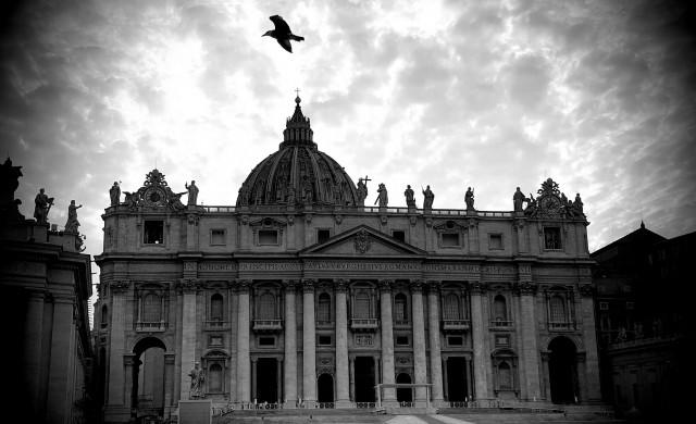 Финансов скандал разтресе Ватикана