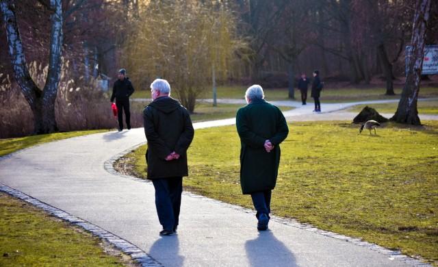 Ниските лихви и рецесията поставят под риск бъдещето на пенсионерите