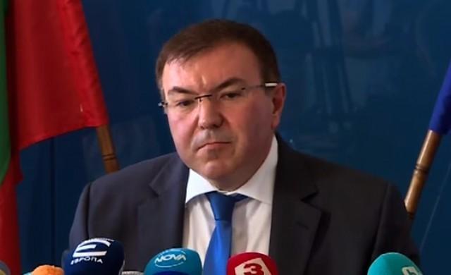 Здравният министър издаде три нови заповеди за извънредната обстановка