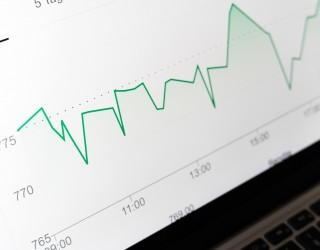 Световните капиталови пазари поеха глътка въздух след разпродажбите