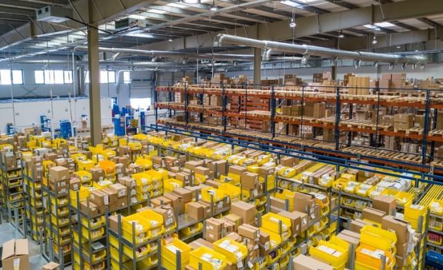 Amazon предоставя бонуси на служителите, които идват на работа навреме