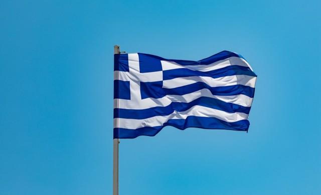 Гърция въвежда 5000 евро глоба за фалшиви Covid сертификати