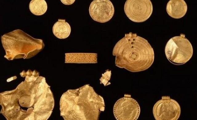 Любител иманяр откри едно от най-големите златни съкровища в Дания