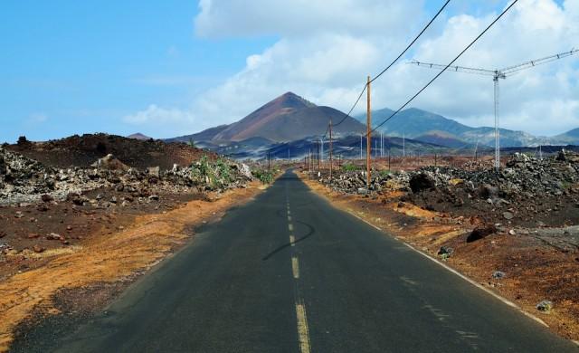 Транформацията на остров Възнесение: От пустиня в тропически рай