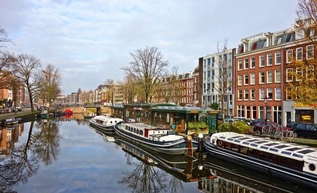 Магазинчетата за канабис в Амстердам са изправени пред трудни времена