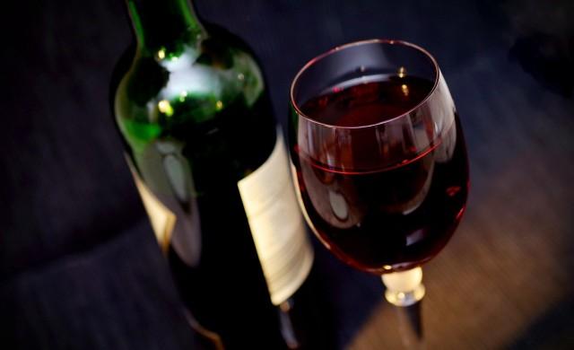 Гръцкото вино, което отлежава на дъното на река