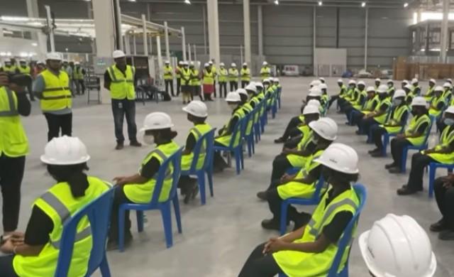 Само жени ще работят в нов завод за електрически скутери